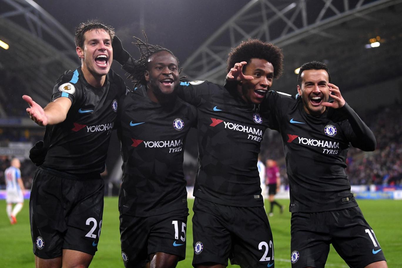 Chelsea pewnie pokonują Huddersfield na wyjeździe